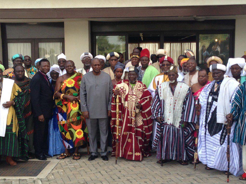 wpid-Mahama-n-Chiefs.jpg