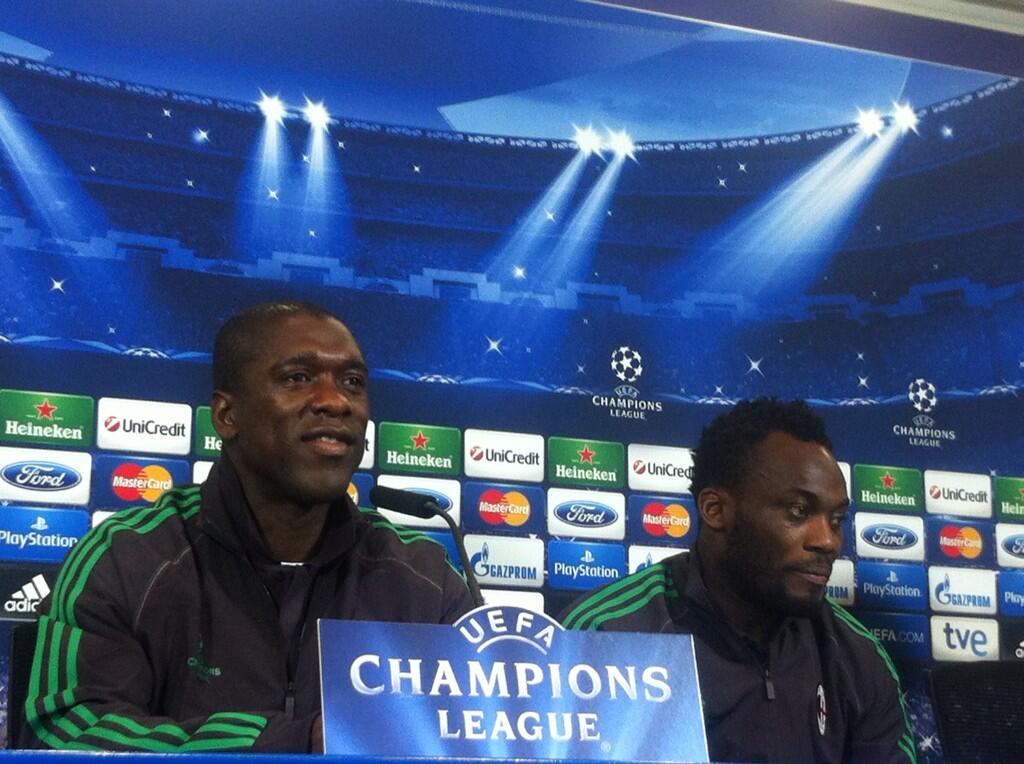 Michael Essien sitting with Seedorf
