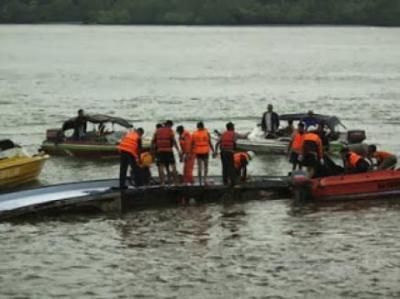 Update: 13 Die in Boat Mishap
