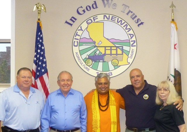 Just before the Newman City Council Hindu invocation, from left to right, are— Councilmember Nicholas Candea, Mayor Pro Tem Robert Martina, Hindu statesman Rajan Zed, Mayor Ed Katen and Councilmember Roberta Davis.