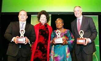 Governor of the State of Para, Brazil Simaol Jatene, Peggy Rockefeller Dulany, Chair of Synergos, Minister for the Economy Dr. Ngozi Okonjo-Iweala, and CEO of Unilever, Paul Polman