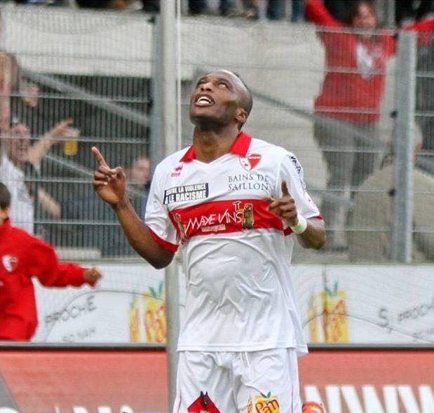 Ishmael Yartey celebrates his goal for Sion