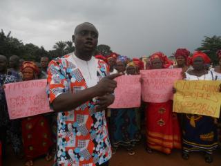 Pastor Peter Chukwudozie Okonkwo, from Okpe Ekwulobia, addressing journalists.2