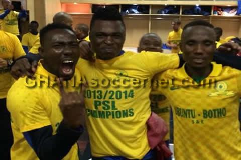 Rashid Sumaila celebrates league triumph with Sundowns teammates