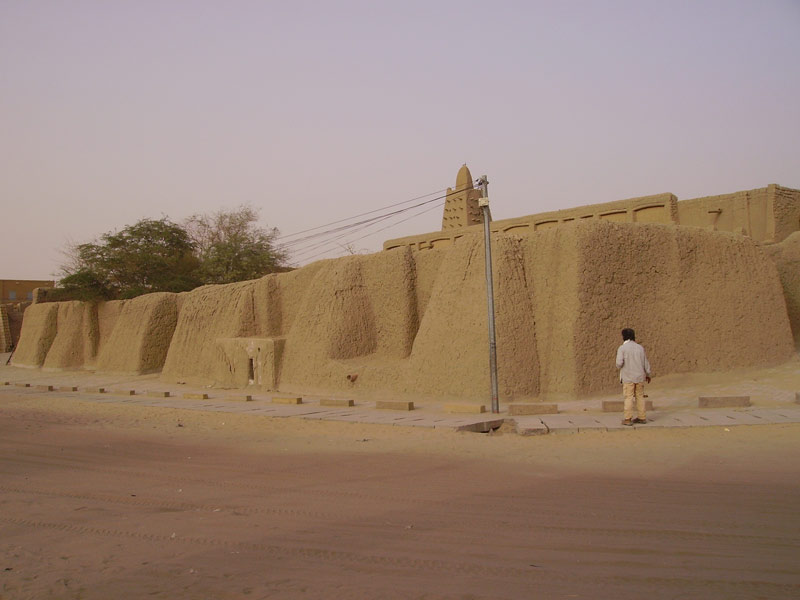West wing of Djingareyber mausoleum (Mali). MINUSMA/Marco Domino