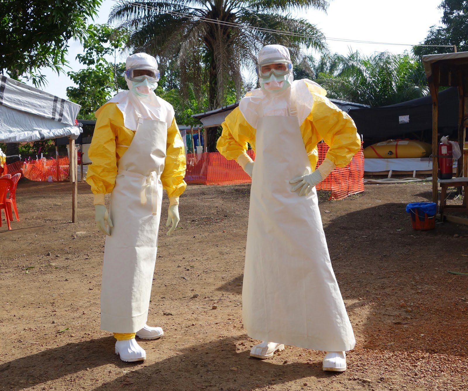 wpid-ebolasuit.jpg