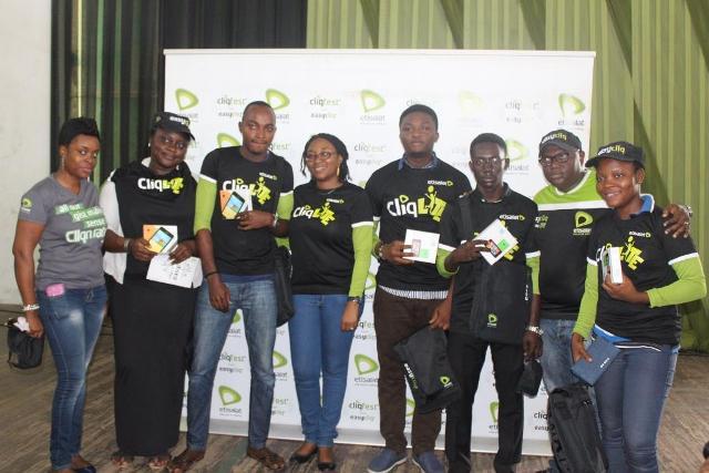 Some Etisalat Staff during the raffle draw prize presentations to UNILAG Students at the Etisalat Cliqfest, University of Lagos, UNILAG.