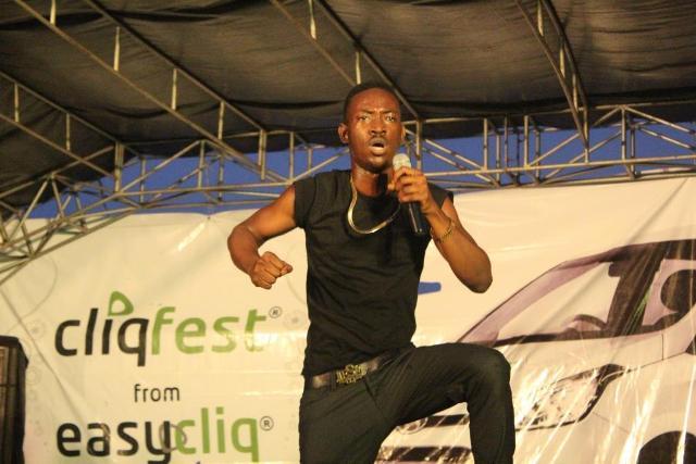 Nigerian musical artiste, Dammy Krane, performing at the Etisalat Cliqfest Concert, University of Lagos, UNILAG, recently