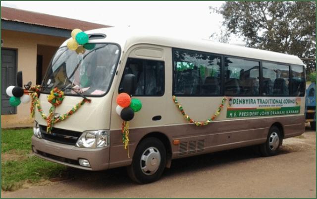 30-Seater Hyundai Bus