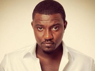 wpid-John20Dumelo20Launches20Own20Hoodie.jpg