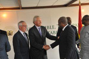 Jeffery Immelt shaking hands with President Mahama