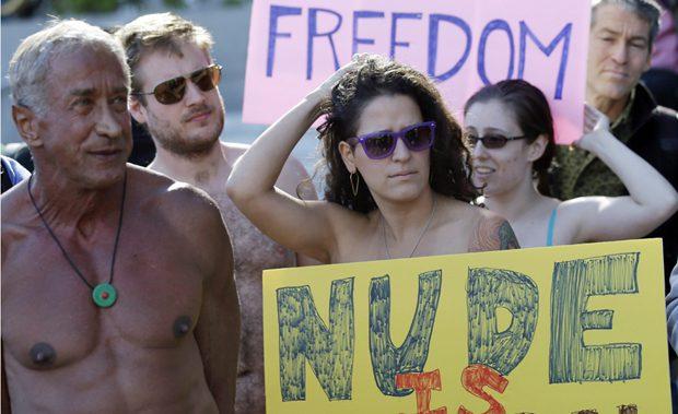 li-nude-protest-620-0360742