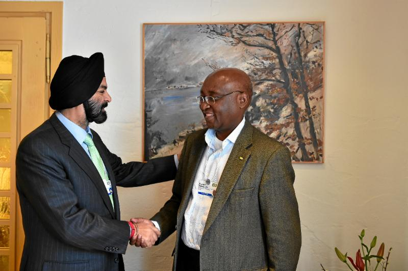 At the World Economic Forum in Davos, Ajay Banga, MasterCard's President and CEO (left), and Donald Kaberuka, the African Development Bank's President (right), today announced a significant partnership to boost financial inclusion in Africa. Photo by swiss-image.ch/Michael Buholzer