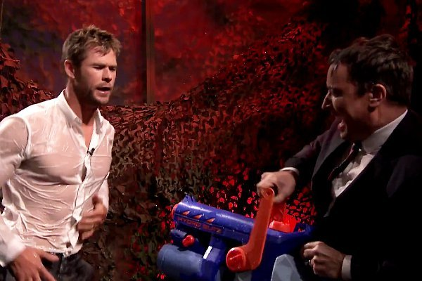 chris-hemsworth-dances-while-sprayed-with-water-on-jimmy-fallon-s-show