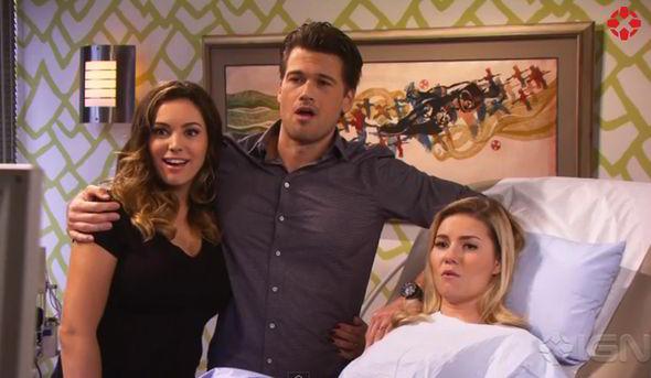Kelly stars alongside Elisha Cuthbert and Nick Zano in the new sitcom