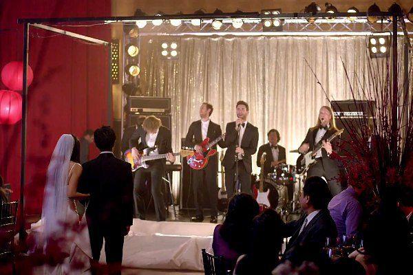 maroon-5-crashing-weddings-in-sugar
