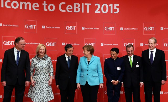 German Chancellor Angela Merkel(4th L), Chinese Vice Premier Ma Kai(3rd L) and Jack Ma, the founder of Chinese eCommerce giant Alibaba(3rd R) attend the opening ceremony of CeBIT 2015 in Hanover, Germany, on March 15, 2015. Top IT business fair CeBIT 2015, which features a strong Chinese presence, kicked off on Sunday in Germany. (Xinhua/Luo Huanhuan)