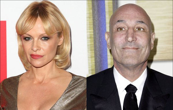 pamela-anderson-attends-sam-simon-s-funeral-despite-report-she-s-banned-from-it-over-800k-ring
