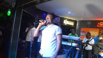 Kesse Performing Tarrus Riley 'She's Royal' At Eze And Friends