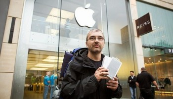 Man buys iPhone 6 to get his wife back
