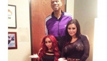 Snooki Polazzi is a really short woman, 4.9ft!