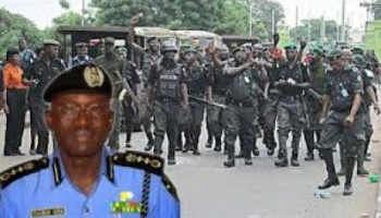 Nigerian Police Force lay siege at PDP office