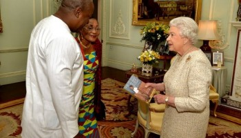 This Was When President Mahama and Wife Called On Queen Elizabeth