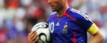 Zinedine Zidane looks to French team